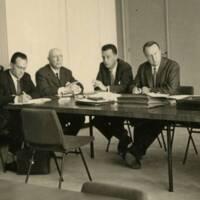 Dirigeants en réunion vers 1955