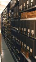 Vue de l'intérieur d'un magasin d'archives, 2019.